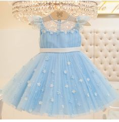 Best 12 Ohindoo – Page 170292429645831020 Baby Girl Frocks, Baby Girl Party Dresses, Frocks For Girls, Gowns For Girls, Dresses Kids Girl, Birthday Dresses, Kids Outfits, Kids Dress Wear, Kids Frocks Design