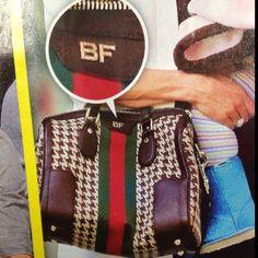 Initialed Gucci purse 👜 want! Gucci Handbags Outlet, Discount Designer Handbags, Cheap Handbags, Cheap Bags, Handbags Online, Handbags Michael Kors, Online Bags, Online Outlet, Name Brand Handbags