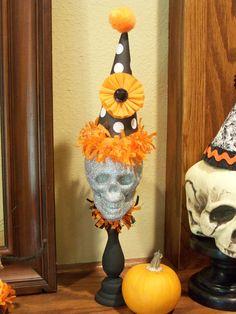Clowning Around Halloween Decoration by JeanKnee on Etsy, Halloween Circus, Rustic Halloween, Halloween Skeletons, Halloween Masks, Holidays Halloween, Vintage Halloween, Halloween Crafts, Happy Halloween, Ideas