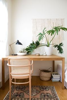 Home office inspiration. Australian inspired home office with bohemian, coastal, and minimalist Scandinavian accents. Photography by Huyen Do and Interior Design by Erin Roberts. Interior design home tour San Francisco. Home Design, Home Office Design, Home Office Decor, Home Office Bedroom, Target Home Decor, Workspace Design, Office Workspace, Minimalist Desk, Minimalist Apartment
