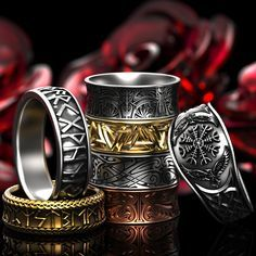 Custom made viking rune rings, wedding rings and fashion bands. Made in gold, silver, platinum or palladium! Custom designs available. Viking Wedding, Celtic Wedding Rings, Wedding Bands, Celtic Rings, Rune Viking, Ring Armband, Steampunk Accessoires, Triangle Ring, Magical Jewelry