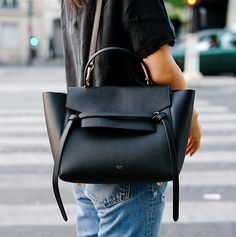 Celine black bag: this one please Look Fashion, Fashion Bags, Workwear Fashion, Fashion Week, Net Fashion, Ladies Fashion, Fashion Dresses, Fashion Trends, My Bags