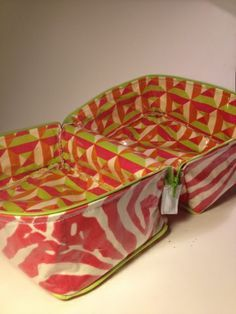 Zippered Lunch Box Tutorial. This will work to hold all the smaller pouches I will use for my knitting needle storage.