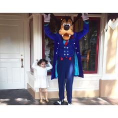 Do your Ears... Hang... Low? #goofballs #goodmorningpost #5am #upupup #goofy #disneyland #Disney #letthembelittle #letthekids #childhoodunplugged #childofig #momswithcameras #clickinmoms #candidchildhood  #motherhoodrising #simplychildren #kids_circle #kidsforreal #mytinymoments  #motherhoodthroughinstagram #livethelittlethings #thepursuitofjoyproject #thehappynow #thatsdarling #dailyparenting #lifewithkids #ourchildrenphoto #thechildrenoftheworld #our_everyday_moments by mayra_mejia