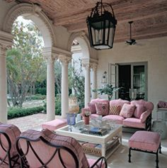 Bunny Williams Love the unexpected pink If bougainvillea was near, what a great combo that would be Outdoor Seating, Outdoor Decor, Porch Veranda, Southern Porches, Pink Home Decor, Outdoor Landscaping, Porch Decorating, Colorful Interiors, Outdoor Living