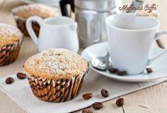 Golosissimi Muffin al Caffè, preparati con pochi ingredienti e perfetti in qualsiasi momento della giornata. Una ricetta leggera e senza burro.