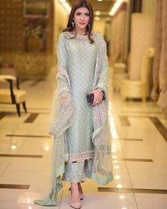 Dresses - Last wedding of 2018 🤪 How many weddings did you attend this WeddingSeason 👗 Hair and makeup 📸… Shadi Dresses, Pakistani Formal Dresses, Pakistani Wedding Outfits, Pakistani Dress Design, Bridal Outfits, Indian Dresses, Indian Outfits, Pakistani Fashion Party Wear, Pakistani Designer Suits