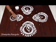 Easy Rangoli Designs Diwali, Rangoli Simple, Indian Rangoli Designs, Simple Rangoli Designs Images, Rangoli Designs Flower, Rangoli Border Designs, Small Rangoli Design, Rangoli Patterns, Rangoli Ideas