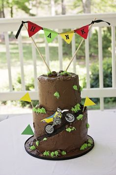 Dirt bike cake More Harry Birthday, Birthday Cake Girls, 5th Birthday, Birthday Ideas, Dirt Bike Cakes, Dirt Bike Party, Bike Birthday Parties, Dirt Bike Birthday, Fancy Cakes
