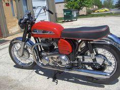 Moto Norton, Norton Motorcycle, Old Motorcycles, Motosport, Bikes For Sale, Classic Bikes, Cool Bikes, Ducati, Vehicles