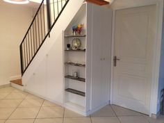 meuble sous escalier deco rangement