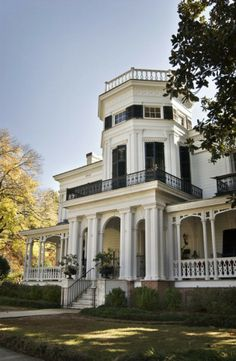 White Arches, Columbus, Mississippi, 1857 Italianate with Greek Revival and Gothic elements.
