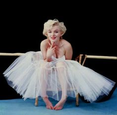 My all time favorite pic of Marilyn Monroe.. a classic