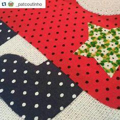 O espírito do Natal deu uma passadinha no Ateliê Pat Coutinho ♡ #amor #ateliepatcoutinho #craft #patchaplique #natal #comprodequemfaz www.patcoutinho.com.br  www.facebook.com/ateliepatcoutinho