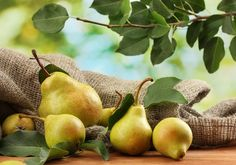 Arugula Pear Salad, sweet and savory for those who want to lose weight, be healthy, and keep blood sugar levels stable. Call The Healthy Way to lose weight today Fall Fruits, Best Fruits, Healthy Fruits, Healthy Life, Alkaline Fruits, Alkaline Foods, Fast Weight Loss, How To Lose Weight Fast, Reduce Weight