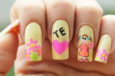 Decoración de uñas para mamá