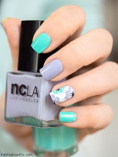Beauty blogger Mademoiselle Emma use a combination of pastel blue and soft purple NCLA Los Angeles nail polishes to refreshen her nails (Photo: Mademoiselle-emma.fr). #purple #nails #nailart #nailsawg