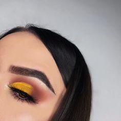 Eyes: @morphebrushes x @jaclynhill palette #morphexjaclynhill @inglot_cosmetics yellow #eyeshadow  Brows: @anastasiabeverlyhills #dipbrowpomade dark brown  Highlight: @beccacosmetics moonstone Lashes: @beautylashespl Holly #mua #makeup #selfie #polishgirl #muapl #makeupartist #makeupaddict #girl #makeupforbarbies #abhbrows #followme #undiscovered_muas #plgirl #l4l #f4f #wakeupandmakeup #abhjunkies #instaphoto #cutcrease #morphebrushes #morphegirl #abhgirl