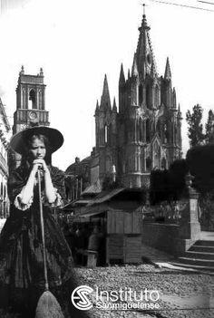 Secretos de San Miguel Mexican Art, Informa, Cathedral, Witch, Miniatures, History, Building, Travel, Felt Dogs
