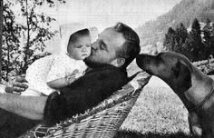 Baby Rosetta Victoria inaglles proudly pa his new child but actually Laura and manly baby Princess Grace Kelly, Princess Caroline Of Monaco, Baby Princess, Gstaad Switzerland, Prince Albert Of Monaco, Prince Hans, Patricia Kelly, Prince Rainier, Monaco Royal Family