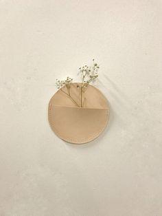 Miljours Studio : Wall ornement flower pot leather for flowers air plant stand leather air plant Cream Aesthetic, Brown Aesthetic, Flower Aesthetic, Aesthetic Vintage, Minimalist Wallpaper, Home Wallpaper, Aesthetic Pictures, Dried Flowers, Color Inspiration