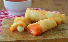 Pizza stick con pomodoro e mozzarella ricetta veloce