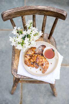 Quick Method Almond croissants.