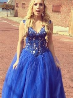 Royal Blue Appliques Tulle Prom Dresses 2018 Long Sexy Party Dresses V Neck Party  Dresses Women Evening Dresses A-line Formal Gowns Elegant Pageant Dresses  ... b77bad958737