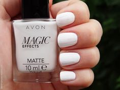 Review of Avon Magic Effects Matte nail polish in White