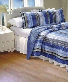 100-percent cotton   Each set includes two standard 20-inch x 26-inch pillow shams 100-percent cotton face, back and fill   Reverses to an all over solid   Machine washable   Dimensions:   Full/Queen: 90 inches x 90 inches