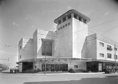 The Odeon Weston-Super-Mare Architect T. publicity shot of 1935 (opening) built on the site of the previous Electric Premier cinema, the Odeon had seats for people. Now a multi-screen (Archive Photo) Now operating as a 4 screen seating & Cinema Architecture, Amazing Architecture, Bedknobs And Broomsticks, The Great Mouse Detective, Art Nouveau, Art Deco, American Werewolf In London, Clash Of The Titans, Weston Super Mare