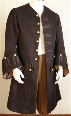 Are you with a Caribbean Pirates touch? This is the Johnny Depp Jacket best priced woolen weaved Jack Sparrow Coat for you an authentic attire experience. 18th Century Clothing, 18th Century Fashion, Jack Sparrow Halloween Costume, Larp, Pirate Garb, Pirate Cosplay, Renaissance Festival Costumes, Pirate Fashion, 18th Century Costume