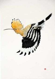 """Did you know that the Hoopoe is a colourful bird found across Afro-Eurasia, notable for its distinctive """"crown"""" of feathers? Karl Martens delicate and detailed interpretation of the bird is a must see in the """"Shapes and Constellations"""" solo exhibition ending tomorrow. Visit our Chelsea gallery to catch the end to this wonderful exhibition. Clic on link in image to view. #hoopoe #bird #art #contemporaryart #artexhibition #karlmartens"""