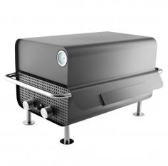 If you have a small outdoor space but still desire a big grill to cook on The Box Gas Grill by Eva Solo is for you. The compact grill has a large surface area and high lid meaning you can still cook large joints and lots of food for any occasion. Small Outdoor Spaces, Small Patio, Grilling, Kingston, Cincinatti, Grill Set, Outdoor Cooking, Gera