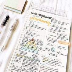 - ̗̀ the girly geek ̖́- - School organization - Cute Notes, Pretty Notes, Good Notes, School Organization Notes, Study Organization, Makeup Organization, Revision Notes, Study Notes, Planning School