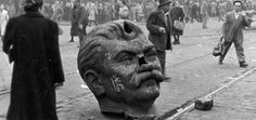 A decapitated statue of Joseph Stalin's head on the streets of Budapest during the Hungarian Revolution of 1956 Indira Ghandi, Terence Mckenna, Joseph Stalin, Historical Images, Illustrations, World History, History Class, Old Photos, The Past
