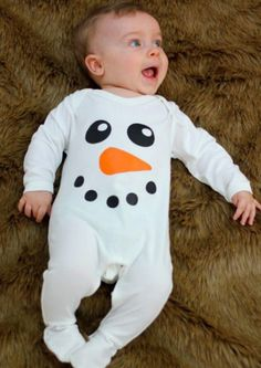 Dressed in our snowman baby sleepsuit you won't be getting a frosty reception from your baby, beautifully soft cotton, FREE gift packaging & FREE UK P&P