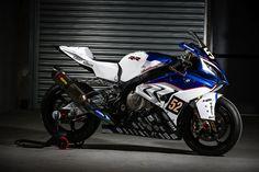 IVR BMW Motorrad CSEU # 52  Motorbike : BMW S 1000 RR Class : Formula EWC Tyres : Pirelli  Team manager: Amir Ghanem (CZE)