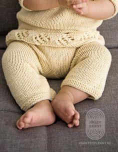 Если вязать обычный свитер спицами Вам уже скучно, свяжите его с таким необчным отворотом! На сайте Люди Вяжут представлена модель №15 из журнала HANDSTRICK N.49, пряжа Alta Moda Alpaca. Приведена инструкция по вязанию для размера изделия: 42/44 и 46/48.