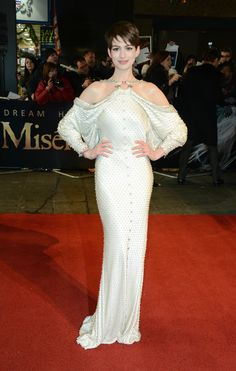 Google Image Result for http://images.hitfix.com/photos/2547128/Anne-Hathaway-poses-on-the-red-carpet.jpg