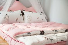 Bedroom themes for Girls. Bedroom themes for Girls. 42 Best Disney Room Ideas and Designs for 2016 Small Pillows, Bed Pillows, Foam Pillows, Bedroom Themes, Bedroom Decor, Bedroom Ideas, Bedroom Photos, Bedroom Bed, Bedroom Storage