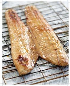 Snoek - best fish for a braai. Braai Recipes, Fish Recipes, Seafood Recipes, Cooking Recipes, Recipies, Eggless Recipes, What's Cooking, Kitchen Recipes, South African Dishes