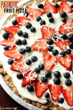 Patriotic Fruit Pizza from Six Sisters' stuff