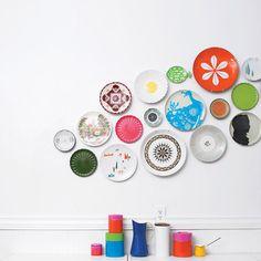 borden aan de muur hangen in de keuken/eetkamer Hang ze op met borden hangers