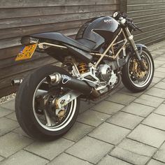 Ducati monster 900 cafe racer in progress