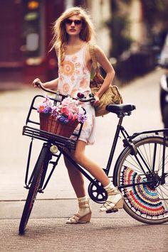 Bicicletas McGregor exclusivas. Bicicletas Holandesa Retro. Bicicletas Vintage y Clásicas. Te facilitamos la compra de tu Bicicleta, recibiéndola en casa o lugar de vacaciones cómodamente... http://www.nanilabradoor.es/?page_id=1743