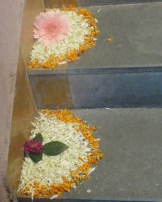 Big list Flower Rangoli Designs ideas and pictures for this ganesh chaturthi or any other Indian festivals. Learn flower rangoli designs for competition with flowers. Rangoli Designs Flower, Colorful Rangoli Designs, Rangoli Ideas, Rangoli Designs Images, Rangoli Designs Diwali, Flower Rangoli, Beautiful Rangoli Designs, Flower Mandala, Flower Designs