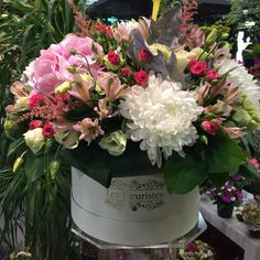 #FlowersInABox #ανθοσύνθεση #ανθοπωλείο #lesfleuristes #διακόσμηση #καπελιέρα #λουλούδια Flower Boxes, Flowers, Floral Wreath, Wreaths, Table Decorations, Home Decor, Window Boxes, Decoration Home, Room Decor