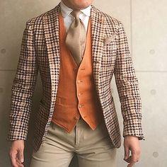 . 2017/04/04. . おはようございます✨. . まだ衣替えしてないのですが、 暖かくなってきたので、色合いだけでも 春っぽく☘️. . . . Jacket & Gilet #LARDINI Shirts #bolzonella Tie #AD56 Chief #ARIANNA Pants #PT01 * * * #mensstyle #mensfashion #menswear #mnswr #wiwt #fashionable #me #photooftheday #picoftheday #instagood #instastyle #instafashion #IGfashion #instacool #coordinate #dapper #ootd #outfit #outfitpost #fashiongram #gentleman #fashionista #dandy #tie #wearinglardini