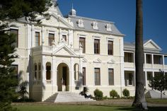 Stellenbosch University Faculty of Theology building. Just beautiful! Africa Travel, Paths, University, Mansions, House Styles, Building, Beautiful, Buildings, Fancy Houses